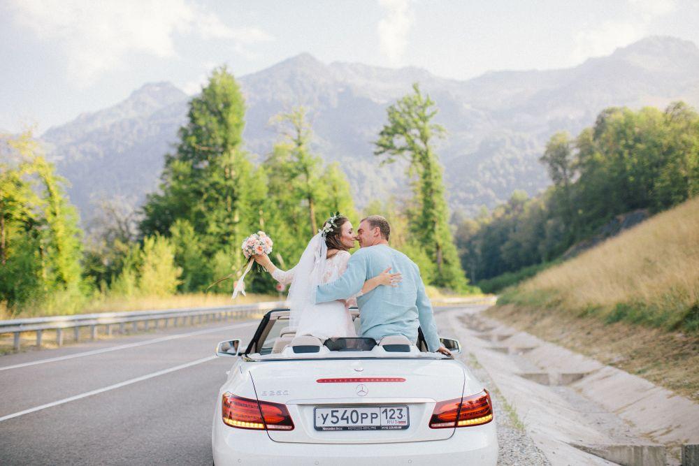 Аренда авто на свадьбы в Сочи